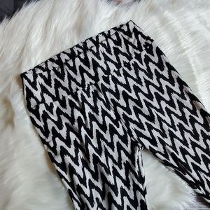 Lularoe B&W leggings